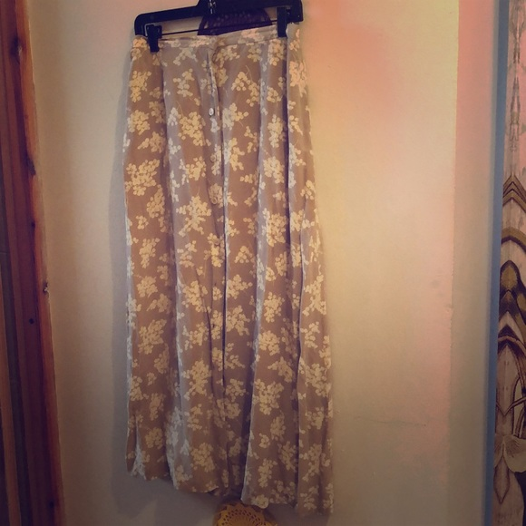 JH Collectibles Dresses & Skirts - Vintage 1990's Silk Flower Midi Skirt